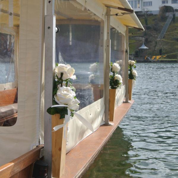 Taxiboot dekoriert Hochzeit