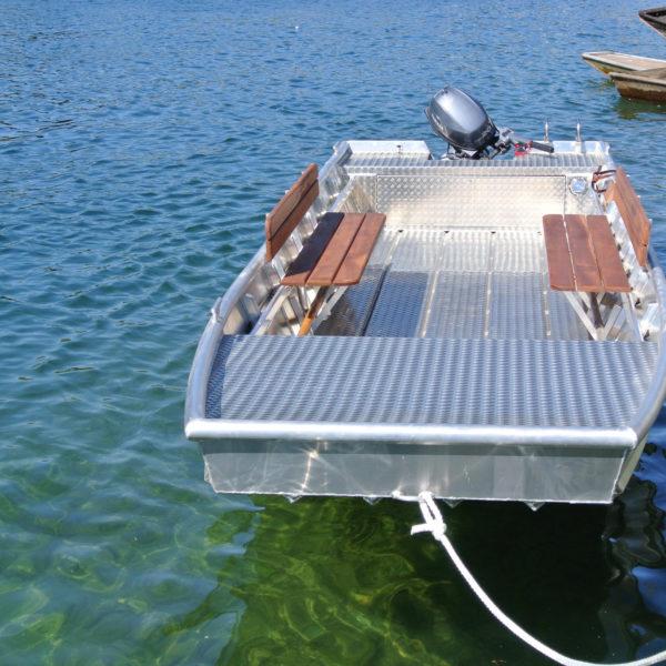 Aluminiumboot angelegt
